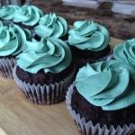 2-vegan-chocolate-cupcakes