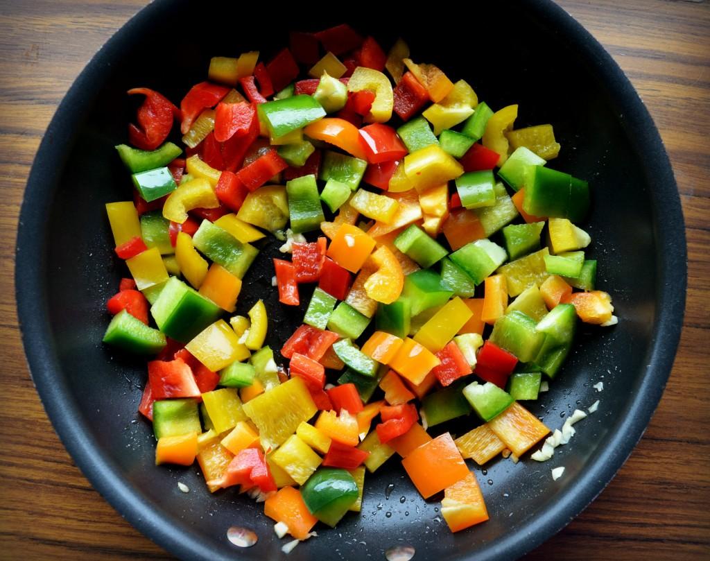 rainbow pepper spaghetti squash 1